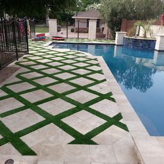 Interesting artificial turf design