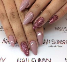 The advantage of the gel is that it allows you to enjoy your French manicure for a long time. There are four different ways to make a French manicure on gel nails. The choice depends on the experience of the nail stylist… Continue Reading → Hair And Nails, My Nails, Long Gel Nails, Nail Manicure, Nail Polish, Nagellack Design, Nails 2018, Nagel Gel, Gorgeous Nails