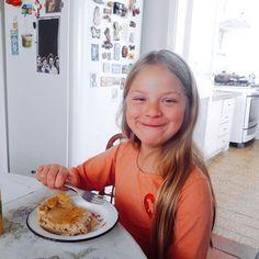 """1 curtidas, 1 comentários - Dona Manteiga (@donamanteiga) no Instagram: """"A satisfação do cliente comendo nossa Torta faz nossa felicidade. #tortaestrogonofe 🌿🐟🐄🍫🍰…"""""""