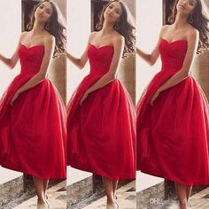 tahle délka šatů mi přijde hrozně zajímavá ... dalo by se zevnitř červeně