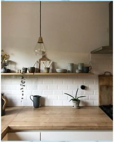 145 fall kitchen trends color, style and seasonal goodness 40 Kitchen Tiles, New Kitchen, Kitchen Dining, Kitchen Decor, Faucet Kitchen, Cuisines Design, Küchen Design, Stand Design, Interior Design Living Room