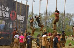 Spartan Sprint - The ultimate beginners guide to surviving a Spartan Race Sprint! Tips and workout ideas along with a complete course breakdown! Spartan Life, Spartan Sprint, Spartan Race Training, Spartan Workout, Course À Obstacles, Spartan Trifecta, Spartan Super, Jogging, Obstacle Course Training