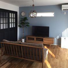 haruさんの、無垢の床,観葉植物,カフェ風,モモナチュラル,ナチュラル,照明,北欧,フェイクグリーン,ウンベラータ,unico,ナガイの建具,リビング,のお部屋写真