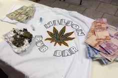 Smic interdita bar onde polícia flagrou venda de drogas para estudantes +http://brml.co/1cLciak