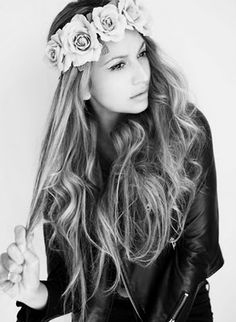 """Flower crown :) the perfect summer attire :) ♪♫ Flowers In Your Hair"""" ♫ ♪"""