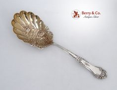 La Touraine by Reed and Barton Sterling Silver Cheese Scoop 5 34 Custom Made