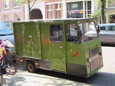green kiosk car