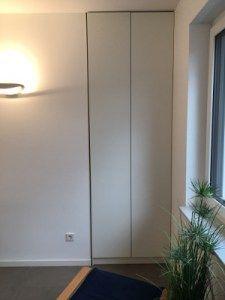 Nischen Einbauschrank Im Treppenhaus Im Dekor Weiss Supermatt