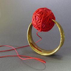 Akis Goumas - ring - kosmima-2000 - forged bronze, wool string