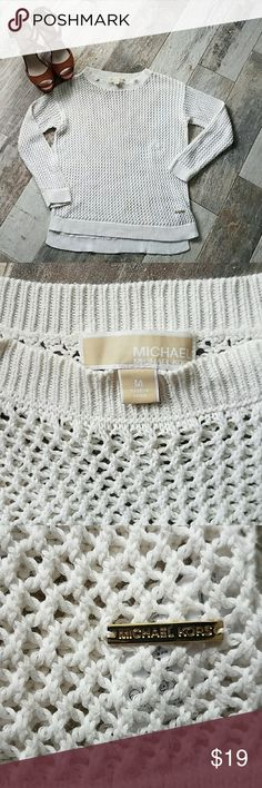 Michael Kors Cable Knit Sweater MK sweater in pre loved condition. Loose fitting around neckline and tightens throughout the rest of the top. I usually wear a small and this fits me well. Size M. Michael Kors Sweaters