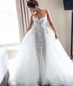 Luxe gown from @steven_khalil #munafashion #munaluchibride #stevenkhalil…