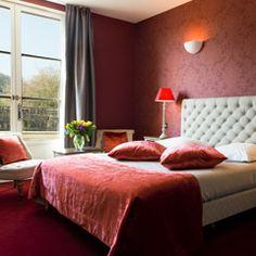 Une chambre d'hôtel du Château de Chailly (Bourgogne) Points positifs : hostellerie de luxe en pleine campagne avec tous les services d'un 4 étoiles; golf 18 trous