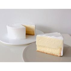 WEBSTA @ lesucre2006 - #베이킹클래스#더블프로마쥬한 조각 자르면 이렇게 두 종류 치즈케이크가 짠!!!😊아래는 구운 치즈케이크 위에는 부드러운 마스카포네 무스~부드러운 맛의 치즈 케이크도 매력적이에요. 🧀🧀..#ダブルフロマージュ切って見ると下は焼きチーズケーキ、上はマスカルポーネムースです。😊.. #お菓子教室 #デザート #スイーツ #ルシュクル #ベーキング #手作り #おやつ#cheesecake #sweets #dessert #baking #cake  #foodgram #onthetable #치즈케이크 #대전베이킹 #베이킹스튜디오 #르슈크레#대전베이킹스튜디오 #대전베이킹클래스 #대전케이크클래스 #반석동 #대전케이크 #우리밀베이킹 #디저트그램 #르슈크레클래스