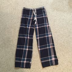 Juicy couture pajama bottoms! Gently used juicy pj bottoms. Soft , comfy, and flattering ! Juicy Couture Intimates & Sleepwear Pajamas