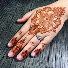 Stained! _ #eshennafix #henna #bridal #sg #wedding #singapore #bridalhenna #inai #mehendi #mehndi #heena #art #intricate #design #bride #pengantin #culture #love #hennasg #artist #hennainspire #inspire #doodle #igsg #singaporehenna #sgwedding #singaporewedding #eshennamix