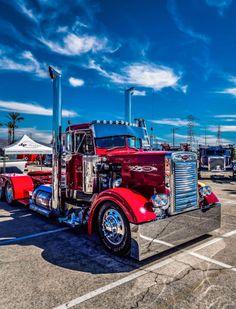 Peterbilt More Mais Show Trucks, Big Rig Trucks, Old Trucks, Peterbilt 379, Peterbilt Trucks, Custom Peterbilt, Heavy Duty Trucks, Heavy Truck, Custom Big Rigs