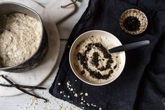 Coconut Oat porridge with licorice chia jam - Vanelja Sweet Breakfast, Breakfast Recipes, Dessert Recipes, Vegan Breakfast, Spooky Food, One Pan Dinner, One Pot Meals, Recipe Of The Day, Baking Ingredients
