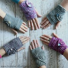 Crochet Ammonite Wrist Warmers Pattern These ammonite wrist warmers are quick to make and easy to customise. The Bubble stitches yield a thick texture, perfect for winter. The post Crochet Ammonite Wrist Warmers Pattern appeared first on L Crochet Crafts, Crochet Yarn, Crochet Projects, Free Crochet, Crochet Granny, Knitting Patterns, Crochet Patterns, Knitting Tutorials, Hat Patterns