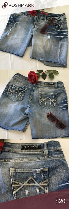 """Red Rivet Distressed Jean Shorts size 11 Juniors Red Rivet Distressed Jean Shorts, 64% Cotton, 33% Polyester, 3% Spandex. Excellent condition, no flaws! Very cute!! 6 1/2"""" inseam. Red Rivet Shorts Jean Shorts"""