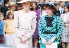 Diana and her sister, Lady Sarah McCorquodale