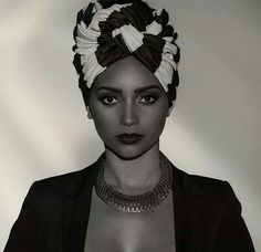 Turban black and white. Turbante by Nina Rodrigues