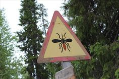 Mosquito warning in Tankavaara village, Sodankylä, Finland - Unusual Signs on Waymarking