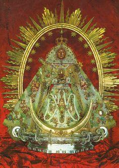 Nuestra Señora de las Nieves. Patrona de la Isla de la Palma-Canarias. Imagen del siglo XIV LVA-3