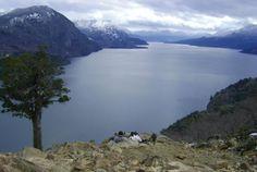 Para encarar lo que queda de la semana, después del bendito lunes, nada mejor que llevar un segundo la cabeza a la impresionante belleza del Lago Lácar desde el mirador Bandurrias, en San Martín de los Andes, Neuquén. Un regalito desestresante para todos nuestros seguidores. De nada.