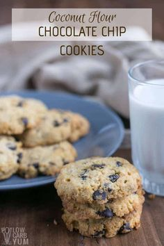 a keto lifestyle but can't give up cookies? No worries! You can make these easy coconut flour chocolate chip cookies and stay on plan. Coconut Flour Cracker Recipe, Coconut Flour Cookies, Coconut Chocolate Chip Cookies, Baking With Coconut Flour, No Flour Cookies, Keto Cookies, Cookies Et Biscuits, Cheesecake Cookies, Keto Cheesecake