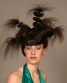 15 Weird & Wild Hairdos and Haircuts – What Were They Thinking?! | It Thing!