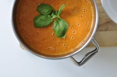 Tomato cream soup with pears