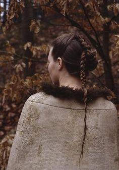 Hairstyle reconstruction of the Ellingkvinded bog body