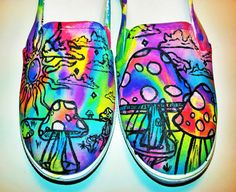 Fun ideas for sharpie tie dye. Draw a pic color it in!!! spray with alcohol..?... Maybe...   Trippy Shroom Custom Shoes