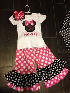 Minnie Mouse birthday outfit  Facebook/DivaDesignsByChristi