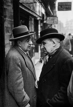 H Cartier-Bresson. Madrid 1953 Conversation on a corner of the Puerta del Sol