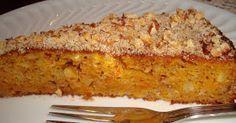 Este bolo é, neste momento, o meu bolo de eleição. Vi-o há umas semanas no blogue da Babette e, fiquei tão curiosa que, imprimi a receita ... My Recipes, Sweet Recipes, Cake Recipes, Dessert Recipes, Recipies, Food T, Food And Drink, Yummy Food, Portuguese Desserts