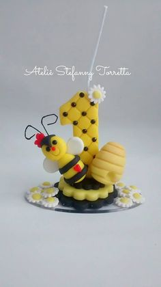 Fondant Numbers, Fondant Letters, Number Cake Toppers, Number Cakes, Baby Birthday Cakes, Birthday Fun, Clay Crafts, Diy And Crafts, Bee Party