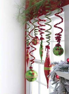 window decorating ideas for winter holidays