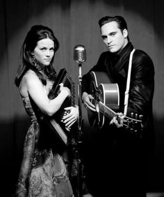 Reese Witherspoon and Joaquin Phoenix as June Carter and Johnny Cash in Walk The Line