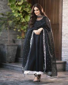 Eid Dresses, Party Wear Dresses, Pakistani Dresses, Fashion Dresses, Black Anarkali, Silk Anarkali Suits, Salwar Suits, Bollywood Bridal, Gown Suit