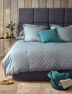 Tempting Teasels Teal Bedding - 260 Thread Count.