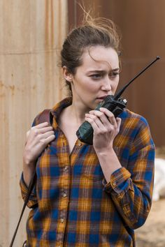 "- ""Another Day in the Diamond"" Stills - - The Photo Gallery @ Alluring Alycia Debnam-Carey Walking Dead Season 4, Fear The Walking Dead, Alicia Clark, Commander Lexa, Alycia Jasmin Debnam Carey, Anime Girlxgirl, Clarke And Lexa, The 100 Cast, Female Character Inspiration"