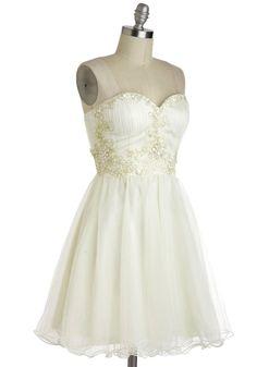 Perfect little rehearsal dinner or beach wedding dress!  Marshmallow Whirl Dress   Mod Retro Vintage Dresses   ModCloth.com
