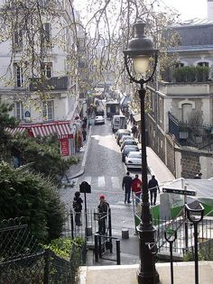 The streets of Paris and an angle I never thought of using. Beautiful.