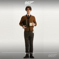 In SKYFALL, Ben Whishaw (Q) wears a Dries Van Noten cardigan, Reiss shirt, Zara tie and Hensch trousers #007costumes