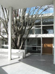 Le Corbusier The Curutchet House, La Plata, Argentina. Commissioned by Dr. Pedro Domingo Curutchet, in 1948 and included a small medical office on the first floor to the street, and the residence above and behind, brilliant project !