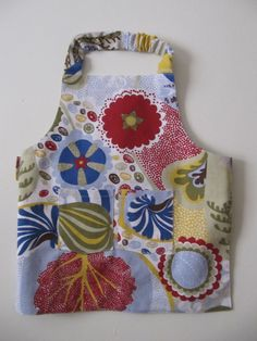 Hand made easy to wear 100% cotton children apron with two pockets ready to ship