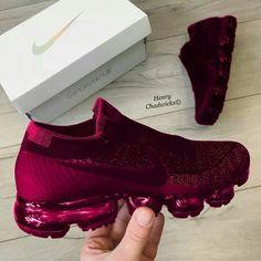Nike Vapor Maxx - Sneakers Nike - Ideas of Sneakers Nike - Nike Vapor Maxx Cute Sneakers, All Black Sneakers, Shoes Sneakers, Shoes Men, Casual Sneakers, Black Shoes, Tenis Nike Casual, Sneakers Fashion, Fashion Shoes