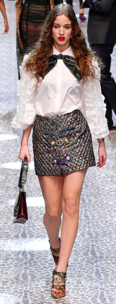 Dolce&Gabbana Outono inverno 2017/18 MFW - brocado - Amei a camisa.