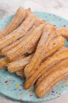 Learn how to make churros with this easy churros recipe. Scroll down for the eas. - Learn how to make churros with this easy churros recipe. Scroll down for the easy churros recipe tha - Baking Recipes, Cake Recipes, Dessert Recipes, Snack Recipes, Freezer Recipes, Freezer Cooking, Fudge Recipes, Yummy Snacks, Drink Recipes